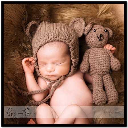 Newborn baby photography cardiff latest cardiff newborn family photographers